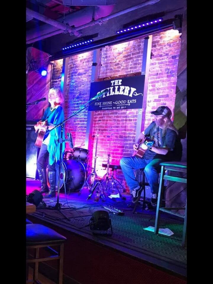 Kris Miller, singer/songwriter performing live at the Stillery in Nashville